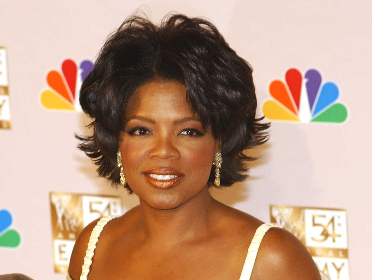 oprah winfrey to present award at the oscars
