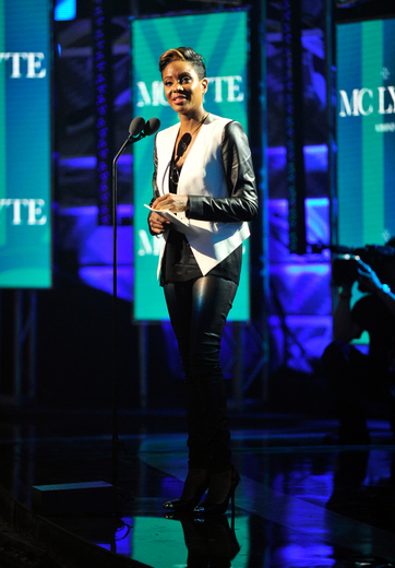 MC_Lyte_accepts_the_I_Am_Hip_Hop_award_onstage_at_the_BET_Hip_Hop_Awards_2013_at_Boisfeuillet_Jones_Atlanta_Civic_Center_