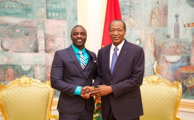 AKON WITH PRESIDENT Blaise Compaoré