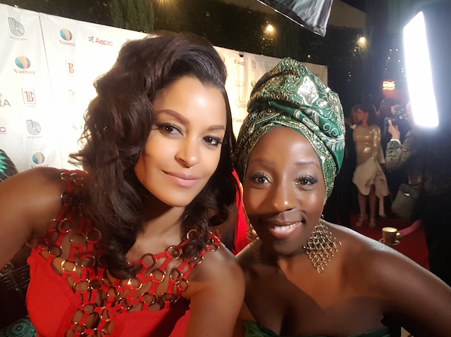 Co-host Claudia Jordan and Gbams Samantha snap a selfie on the NAFCA red carpet