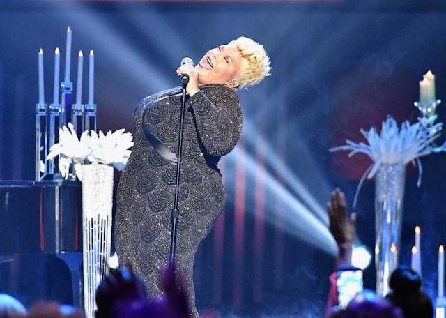 Tamela Mann performing onstage at the 32nd Annual Stellar Awards