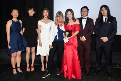 """Catherine Hardwicke and Hua Tong, winner of the gold medal in the narrative film category for """"Spring Flower,"""" during the 45th Annual Student Academy Awards® on Thursday, October 11, in Beverly Hills. (credit: Matt Petit / ©A.M.P.A.S.)"""