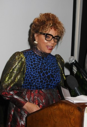 Ruth E. Carter receives AAFCA's Innovative Award