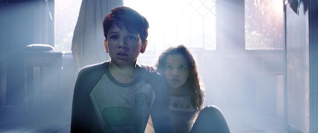 (L-r) ROMAN CHRISTOU as Chris and JAYNEE LYNNE KINCHEN as Samantha