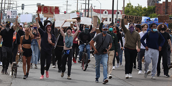 """Protest in Venice Beach for George Floyd shouting """"Black Lives Matter"""""""